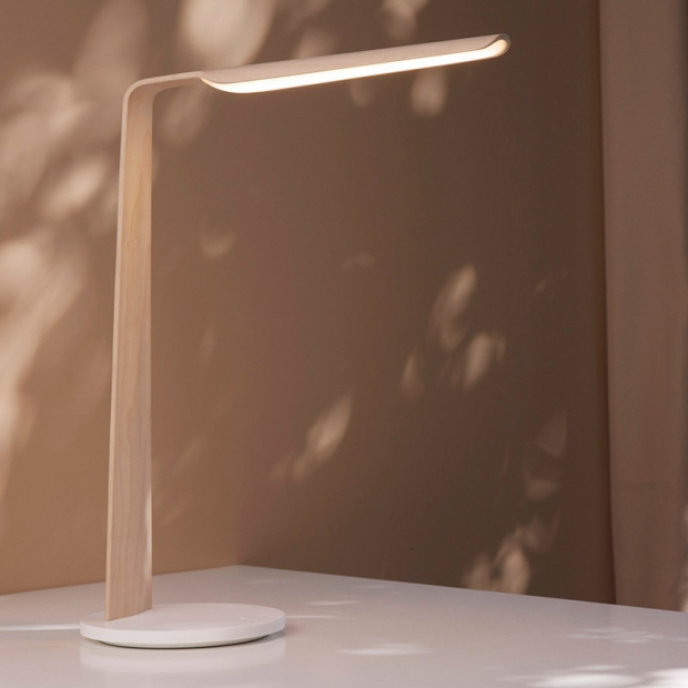 Stolní lampa Swan, dub