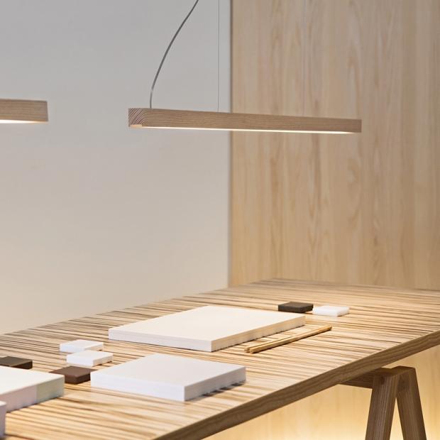 Závesná lampa LED40, jaseň