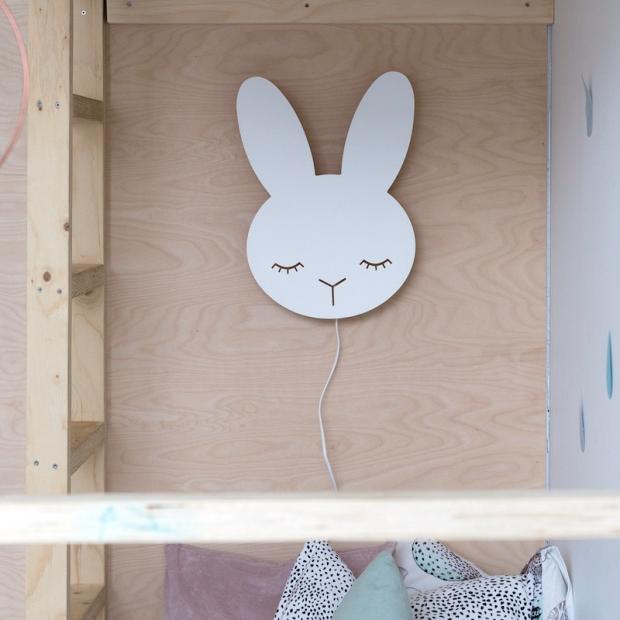 Nástenná lampa Bunny, biela