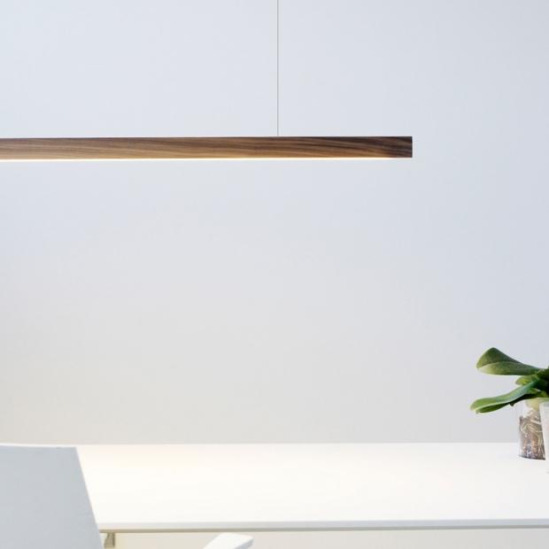 Závěsná lampa LED40, ořech